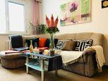 Priestranný 2izbový byt v tichej časti plnej zelene v Dúbravke na prenájom