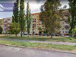 2963 Na prenájom kompletne obnovená garzónka na Dunajskom nábreží v Komárne