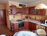 Ponúkame na predaj pekný - 2 izbový byt s balkónom v Komárne