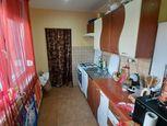 Na predaj prerobený 2 izbový byt s veľkou špajzkou