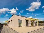 Predaj slnečný 5 izbový byt so strešnou terasou 125 m2, v novostavbe Kolísky k nasťahovaniu