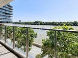 Veľkometrážny byt v River Parku s výhľadom na Dunaj a dvomi terasami