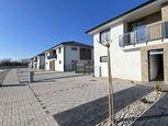 Na predaj: ZÁPAD - 3 izbový horný byt,štvorbytovka, Dunajská Streda