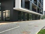 Prenájom obchodného priestoru s parkovaním v novostavbe - Seberíniho ul.