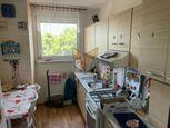 FOX - REZERVOVANÉ * 3 izbový byt * Vl. Clementisa * výborná lokalita * čiastočná rekonštrukcia