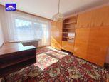 Pekný 2 izb BYT + GARÁŽ v bytovke - 20 m2na rekonštrukciu  - ŽILINA - centrum