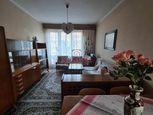 Na predaj 3 izbový tehlový byt s garážou v centre mesta Banskej Bystrice