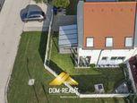 DOM-REALÍT ponúka zariadený 3izbový dom s garážou v Rajke
