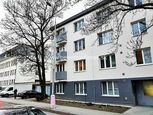 Na prenájom 2-izbový kompletne zariadený byt v centre mesta Nitra.