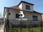EXKLUZÍVNE ponúkame na predaj 5i rodinný dom s garážou  v obci Lužianky