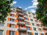 PREDAJ - Krásne priestranný byt v obľúbenej lokalite v PN