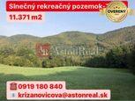 PREDAJ: Slnečný rekreačný pozemok pod lesom- Zbora (11.371 m2)