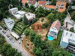 Na predaj slnečný stavebný pozemok na Vinohradoch v blízkosti Starého Mesta, Pražská ulica