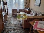 Top ponuka - Veľký tehlový  3 izbový byt, 73 m2, s lodžiou, balkónom a garážou  B. Bystrica, centrum