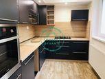 Zariadený moderný 2,5 izbový byt v tehlovej bytovke s parkovaním