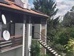 Prenájom - 4 izbový byt v rodinnom dome  , Bratislava Nové Mesto, Hlavná ulica.