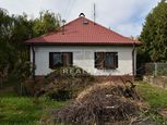 VÝBORNÁ PONUKA! Starší rodinný dom s veľkým pozemkom 16á na rekonštrukciu, alebo ako investícia, Pre
