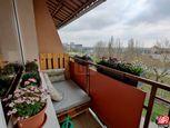 Directreal ponúka Tehlový 2,5 izb.byt 60 m2 s lódžiou aj balkónom, potok a vinohrady za domom, BA -R
