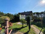 4izb.rodinný dom  v centre NOVÝCH SADOV so 4á pozemkom , 17km od Nitry