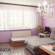 Na predaj väčší 2 izbový byt, Klokočina, s balkónom