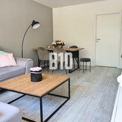 Rezervované - NADŠTANDARDNÝ moderne zrekonštruovaný 3 IZBOVÝ byt vo veľmi vyhľadávanej lokalite mest