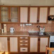 Na predaj slnečný, zrekonštruovaný 3 - izbový byt v BA (Karlova Ves) - Segnerova 3 s veľkou loggiou