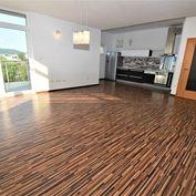 Na predaj 4 izbový byt s terasou+garáž.státie, 125 m2, Trenčín, Riviéra