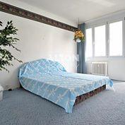 Na predaj 3 izbový byt (63 m2) v pôvodnom stave s loggiou (3m2) a balkónom (1,2 m2) - širšie centrum