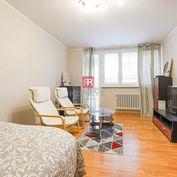 HERRYS - Na prenájom kompletne zariadený 1 izbový byt s loggiou priamo v centre mesta