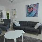 Na predaj zrekonštruovaný 4 izbový byt, zariadený v provensálksom štýle v Trnave