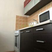 PREDAJ - 1,5- izbový byt na ulici Karloveskej