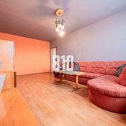 Rezervované - Veľkometrážny 2i byt s balkónom - CHRENOVÁ