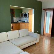 Svetlý 3-izbový byt na prenájom Vyšehradská