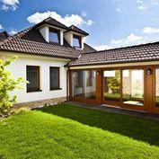 Luxusný rodinný dom s wellnessom / Svätý Jur