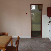 Ponúkame na predaj 2 – izbový rodinný dom v obci Číčov