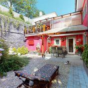 Directreal ponúka 5 izbový dom s garážou, klimatizáciou, 2 terasami, altánkom, peknou záhradou na ul