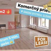 Prenájom: pekný komerčný priestor s parkovaním centrum B. Bystrica