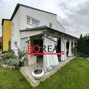 ** RK BOREAL ** Novostavba rodinného domu, ÚP 180 m2 v Kittsee, Schlossgärtnerei - AT na odstúpenie.