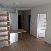 BULVAR - NOVOSTAVBA 2 izb. bytu s balkónom v širšom CENTRE