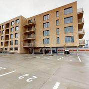 5 izbový byt s dvomi balkónmi Sitnianska / PETRŽALKA