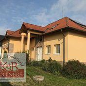 Ponúkame Vám na predaj rodinný dom v Trenčíne.