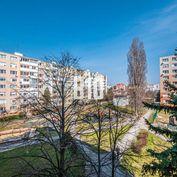 Pribinova - priestranný 2i byt po kompletnej rekonštrukcii v tesnej blízkosti pešej zóny