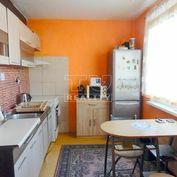 TOP CENA !! Na PREDAJ slnečný 3 izbový byt na Rúbanisku III v Lučenci, 69m2.