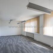 Reprezentatívny kancelársky priestor na predaj o ploche 261,47 m2 v objekte na Nám.SNP