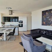 Luxusný 3-izbový byt s parkovaním v Panorama City