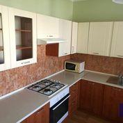 --PBS-- ++NA PREDAJ väčší 1,5.-izbový byt s BALKÓNOM o výmere až 53 m2 (možnosť prerobiť na 2-izbový
