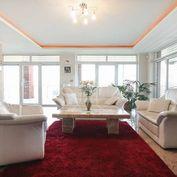 Luxusná 3-podlažná vila v Starom Meste na rozľahlom pozemku