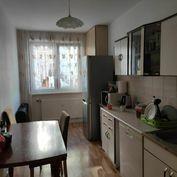 3.izbový byt s loggiou - sídlisko Sekčov - ulica Ďumbierska