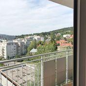 S terasou 1-izbový byt na ulici Vlárska