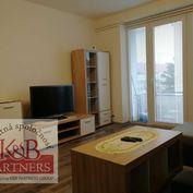 Ponúkame Vám na prenájom väčší 2-izbový byt v Trenčíne.